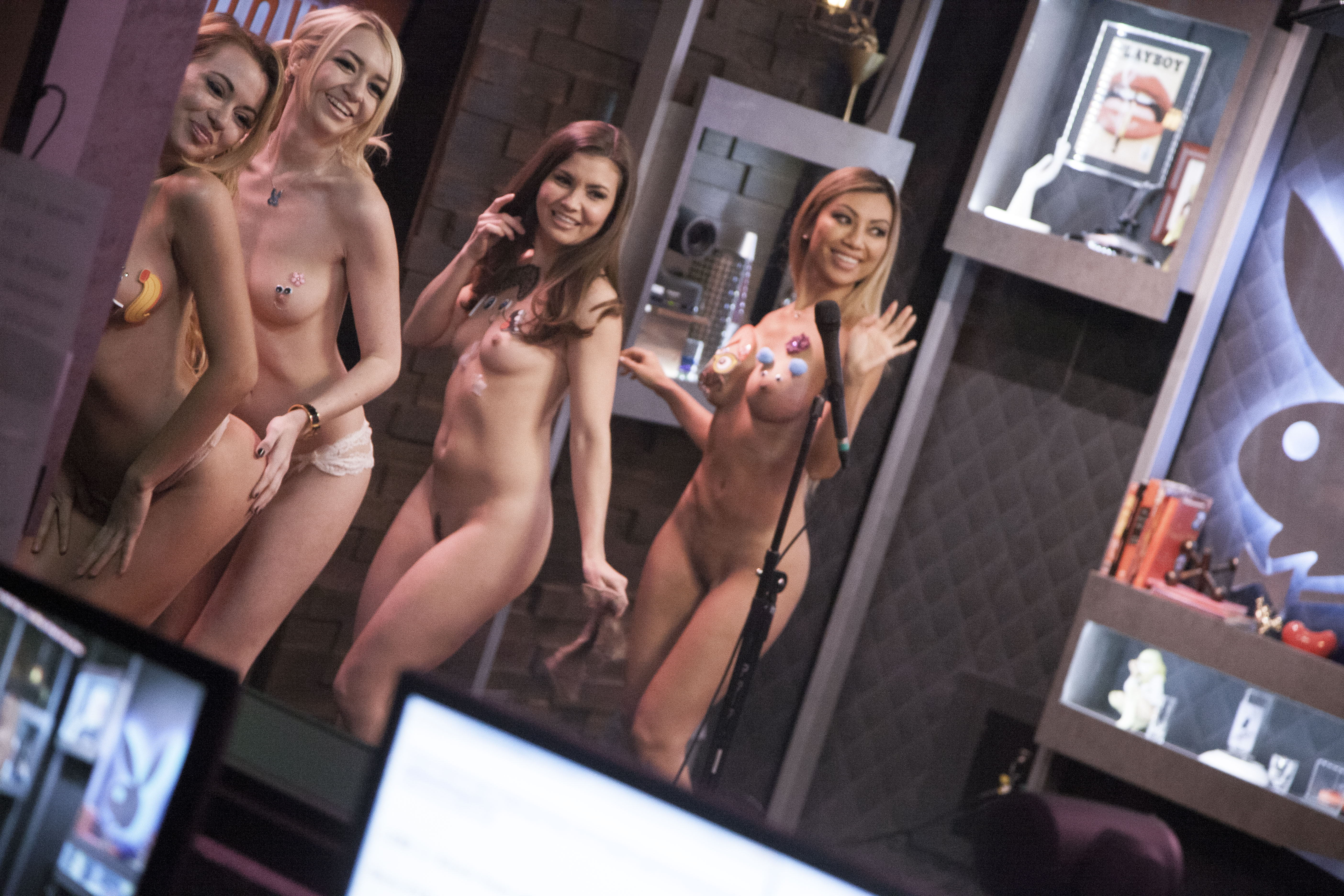 Watch Naked Girl Girls Show Off The Naughty Bits